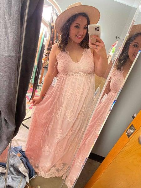 Eliana Lace Maxi Dress