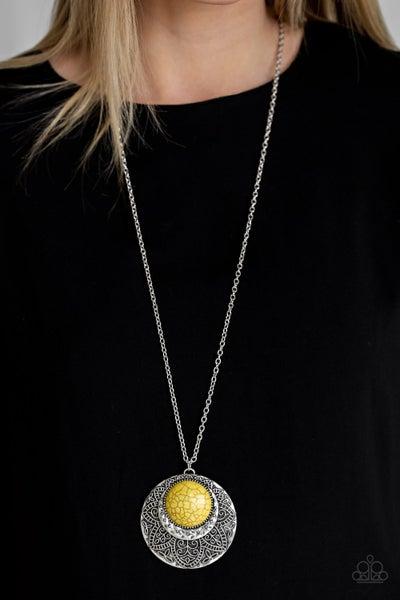 Paparazzi Medallion Meadow - Yellow
