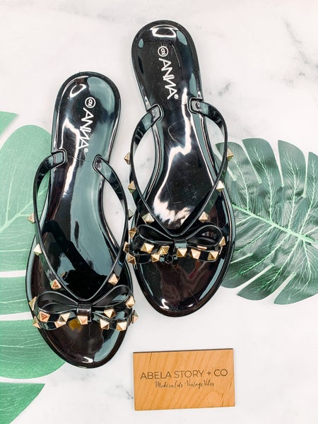Bow and Behold Bowtie Sandals - Black *Final Sale*