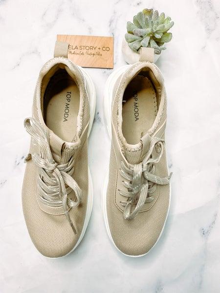 Maggie Biggs Sneaker-Beige