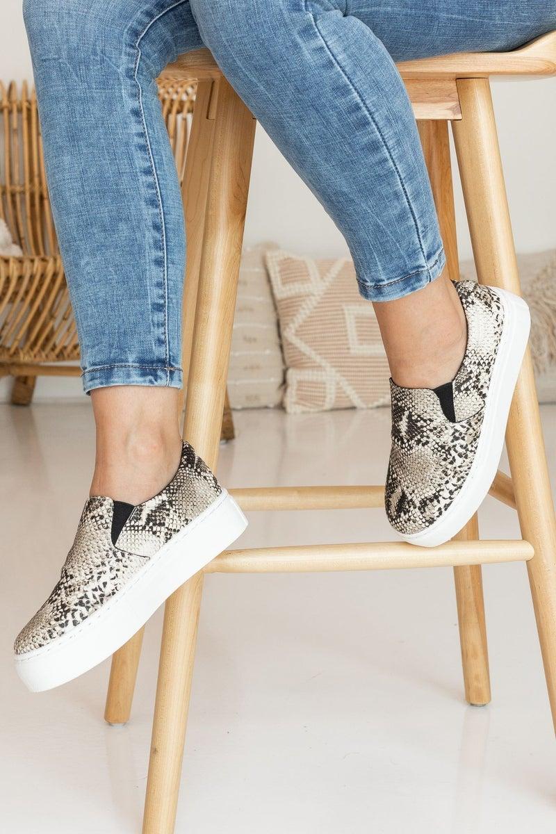 Casual Walks Sneaker