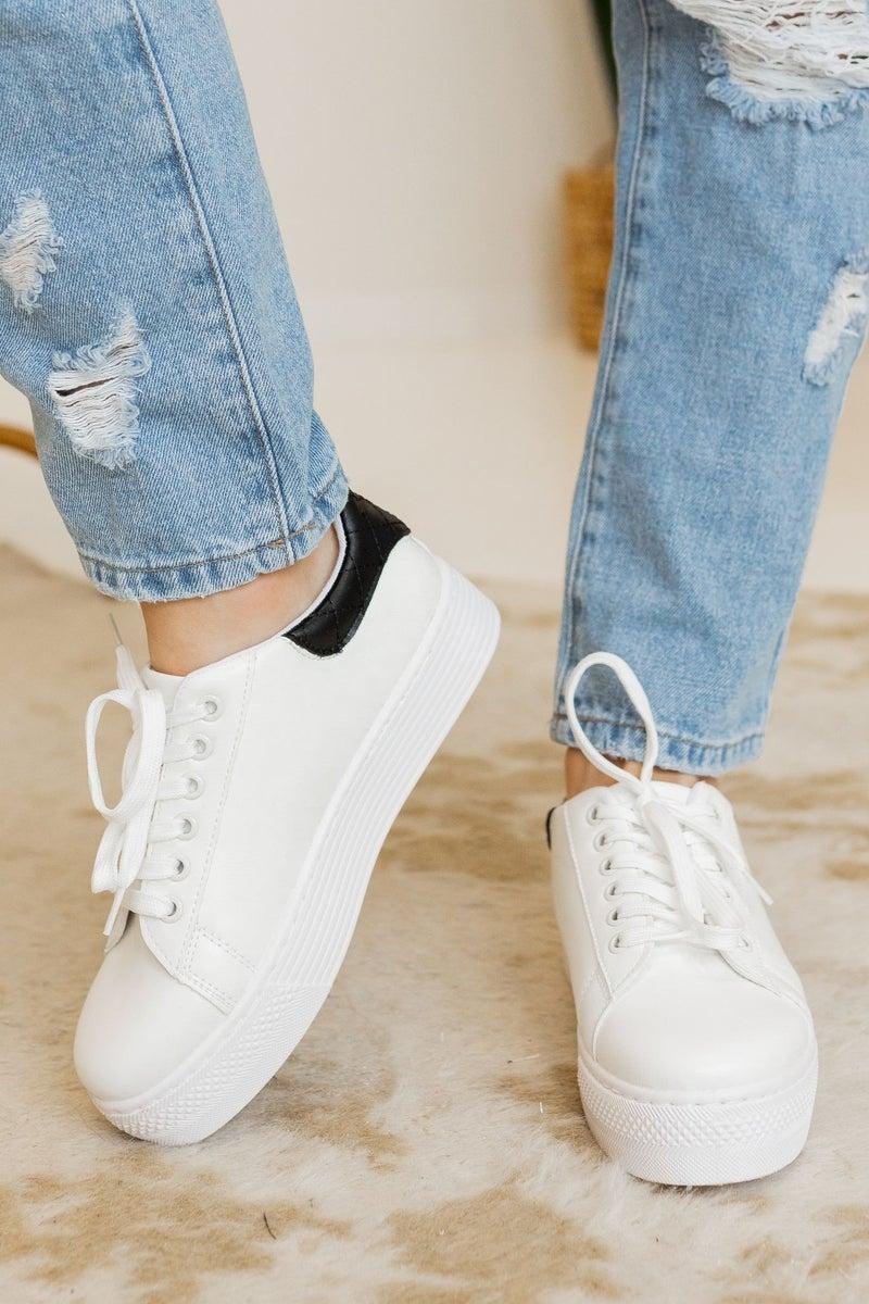 Kick it on the Weekends Sneaker