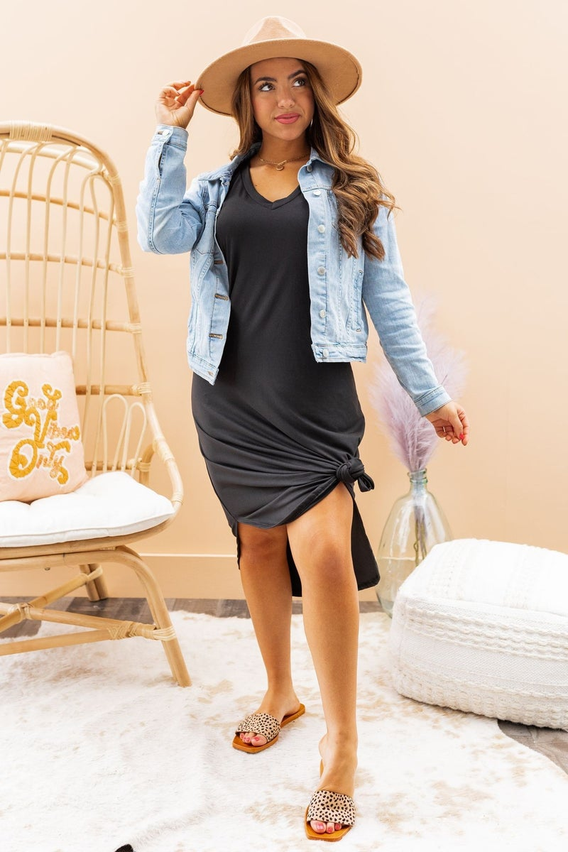 Relaxed and Chic Midi Dress