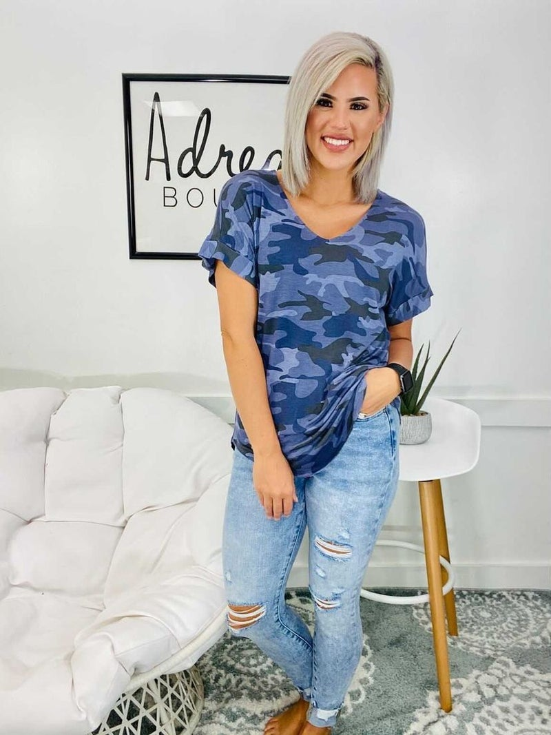 CAMOUFLAGE SHORT CUFF SLEEVE V-NECK TOP- Navy