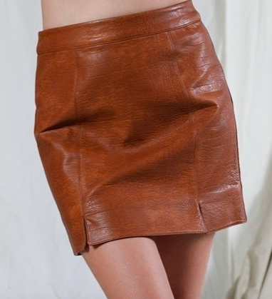 EMBOSSED PATTERN FAUX LEATHER SKIRT- Camel