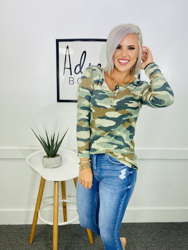 CAMO PRINT BUTTON FRONT TOP- Olive