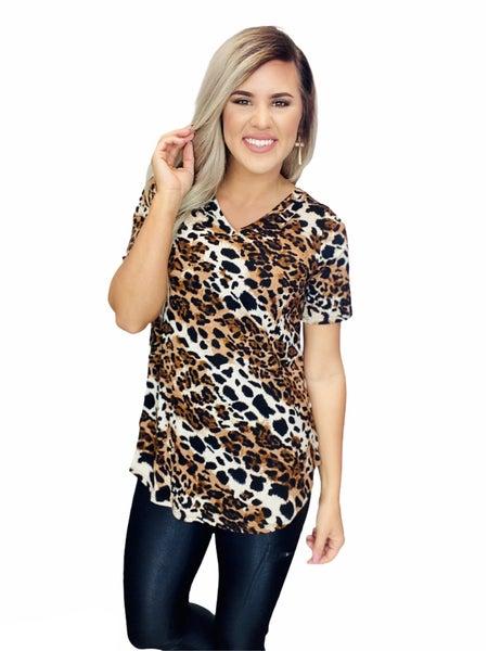 SHORT SLEEVE V-NECK ROUND HEM TOP- Leopard/White Stripe
