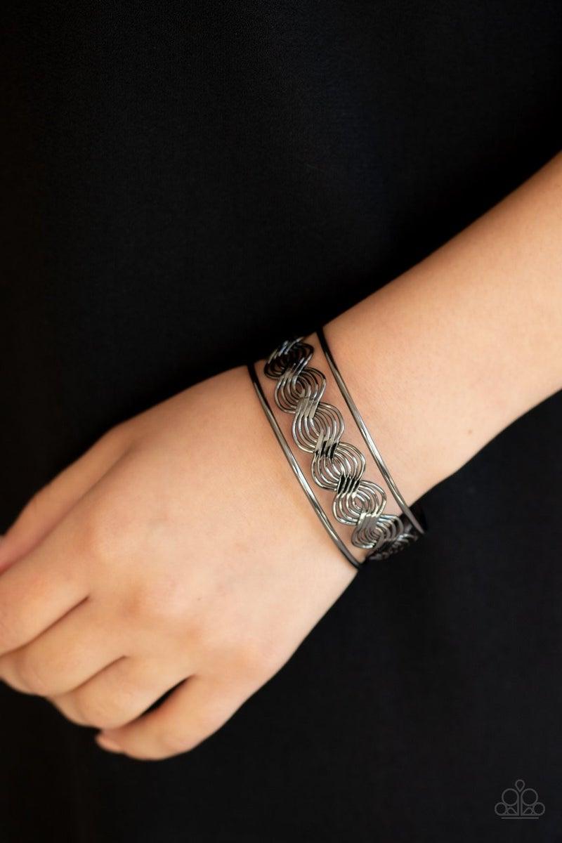 WEAVE An Impression - Black Bracelet