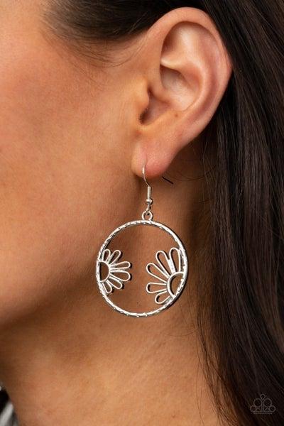 Demurely Daisy - Silver Earrings