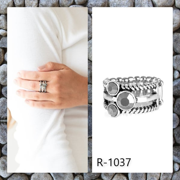 Paparazzi Ring ~ Head In The Stars - Silver