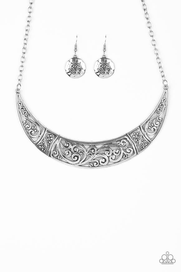 Bull In A China Shop - silver -NECKLACE AND EARRING