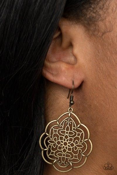 Tour de Taj Mahal - Brass Earring