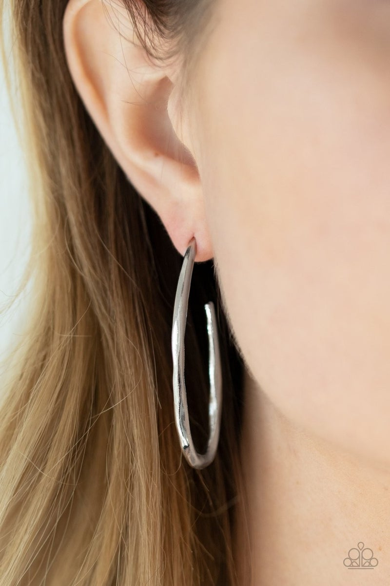 Totally Hooked - silver - Paparazzi earrings