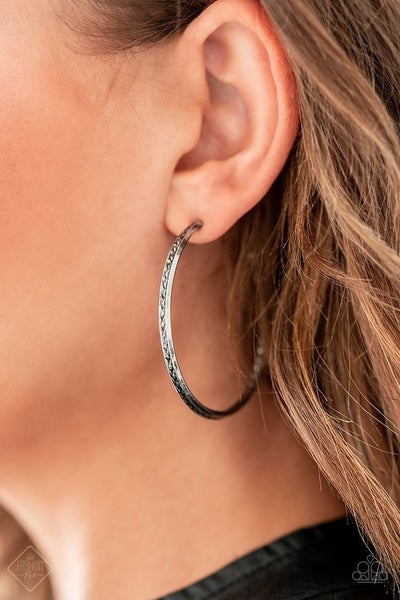 TEXTURE TEMPO - PAPARAZZI - SILVER CHISELED TEXTURE HOOP EARRINGS - FASHION FIX