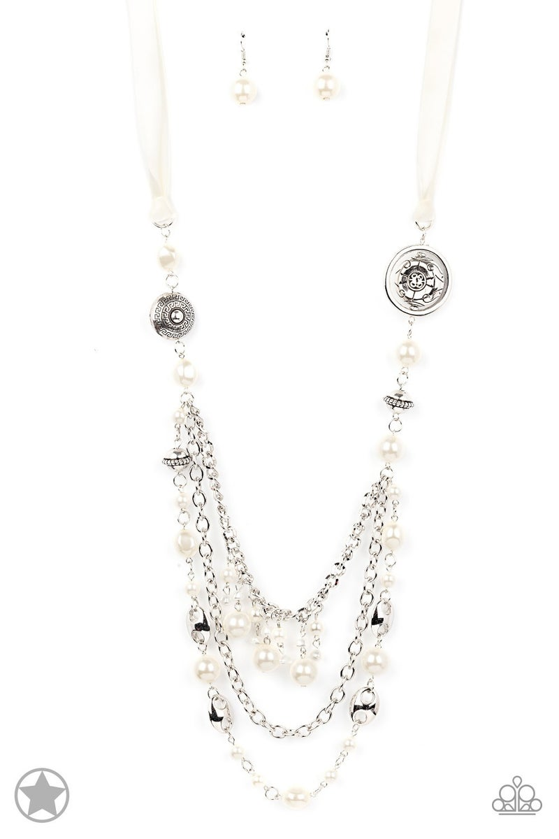 All The Trimmings - Ivory Necklace set