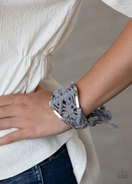 Macrame Mode - Silver Bracelet