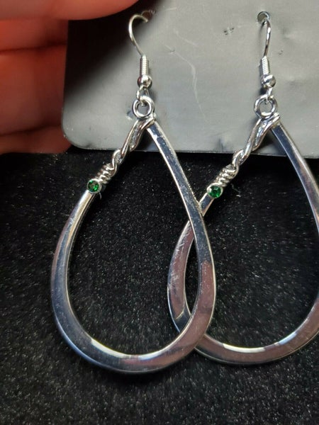 Very Enlightening Green Earring