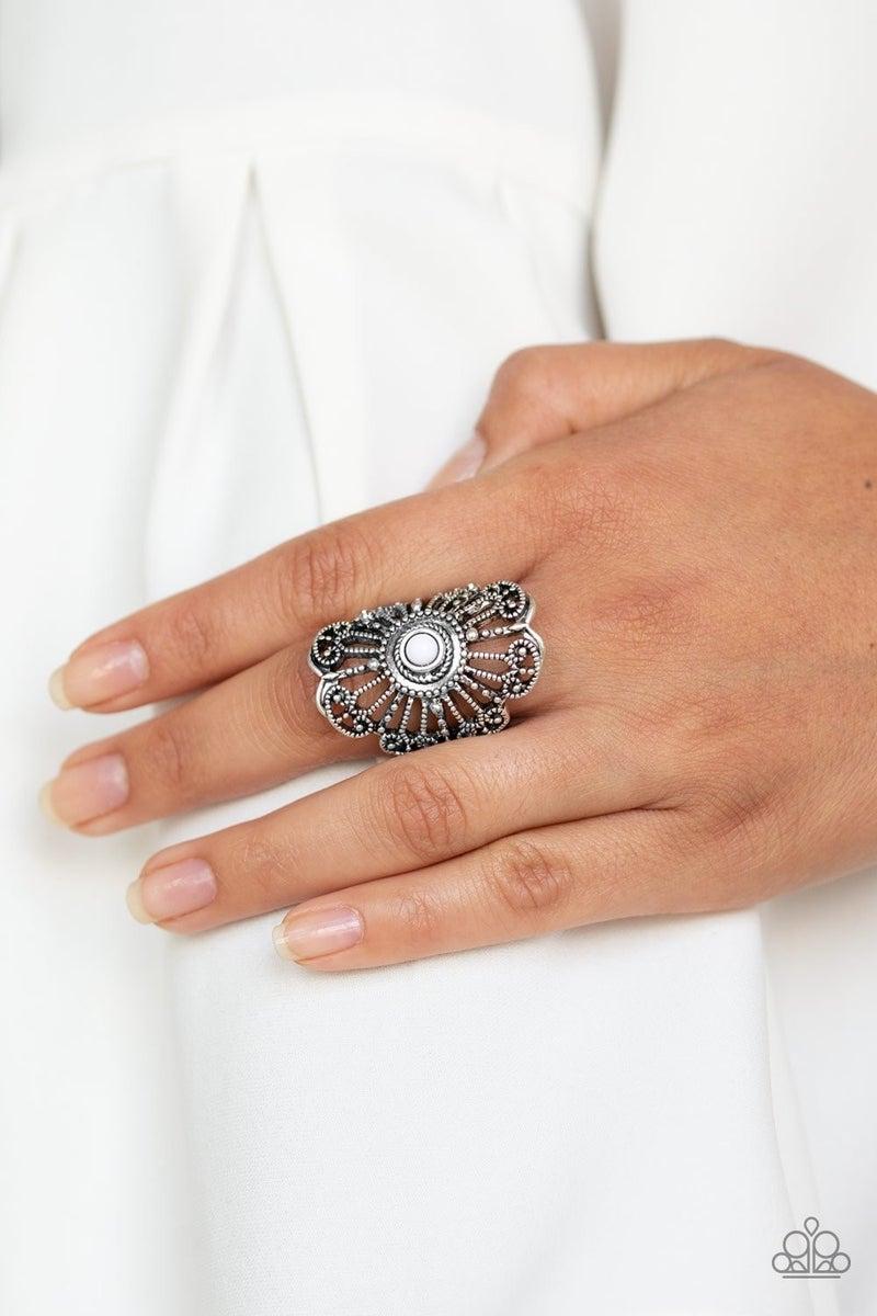 Adrift - white - ring