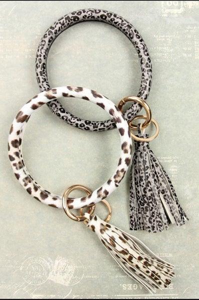Bangle Leopard Wristlet