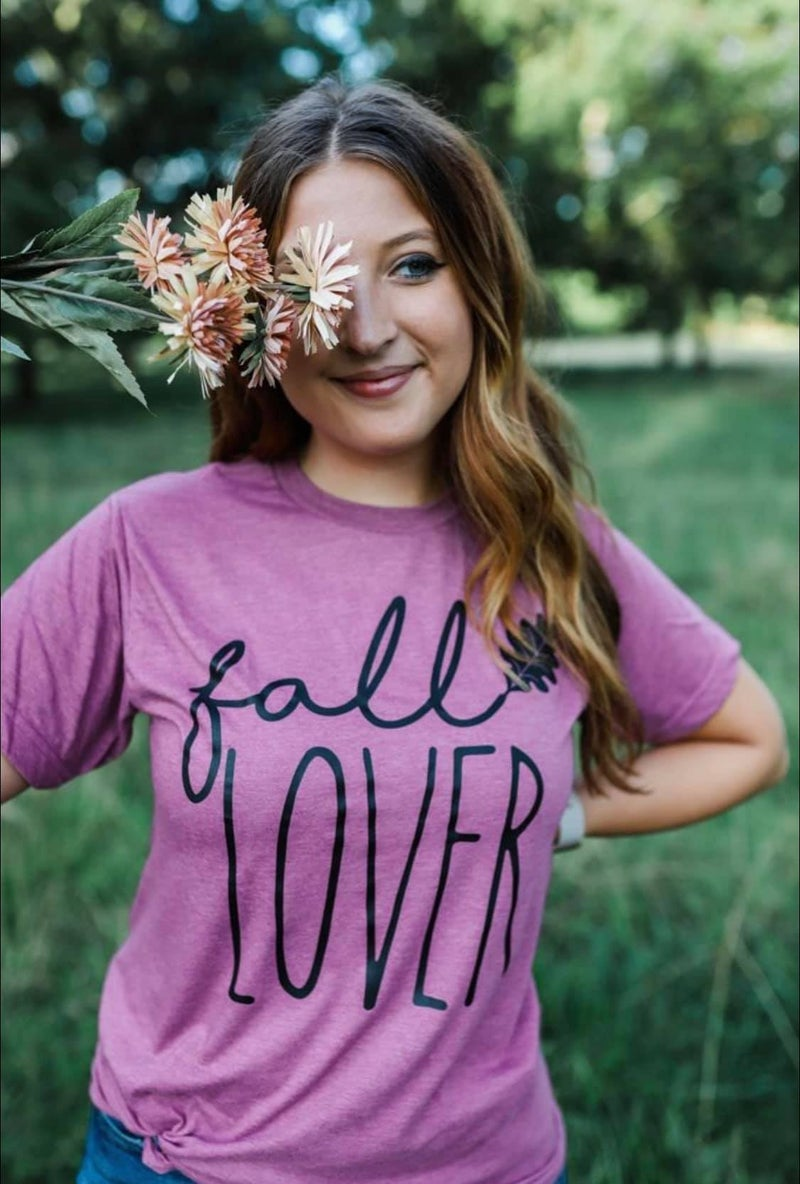 Fall Lover Graphic Tee *Pre-Order*