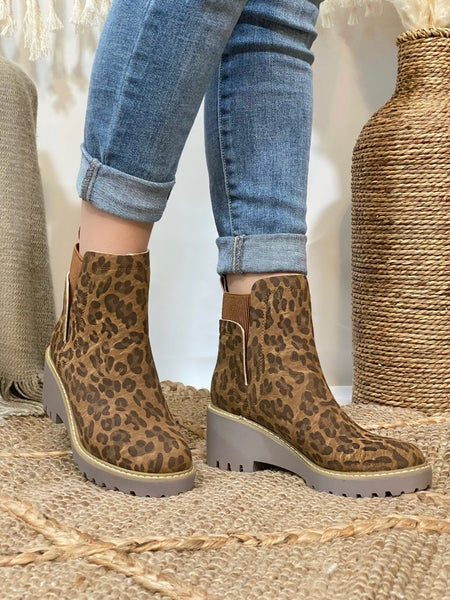 Corkys Basic Boot in Brown Leopard