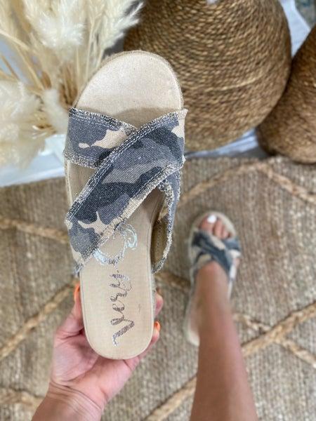 Very G Laney Camo Platform Sandal