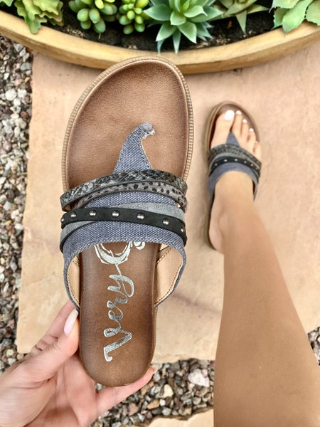 Very G Rose Sandal in Grey
