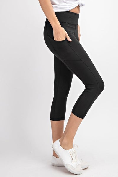 Capri Length Yoga Pants with Pockets - Black