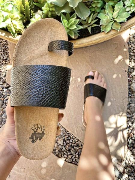Camel Threads Ava Black Sandal