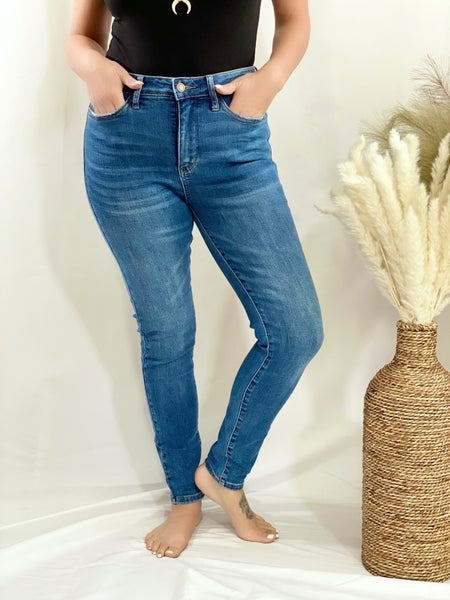 Judy Blue Non-Distressed Waist Control Top Skinny
