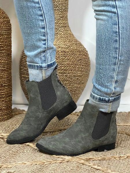 Very G Blake Boot in Grey