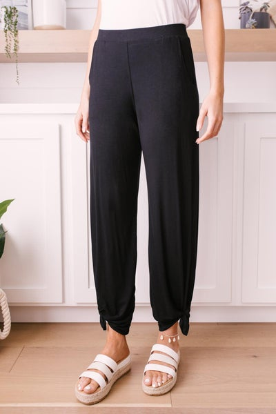 Vacation Lounge Pants in Black