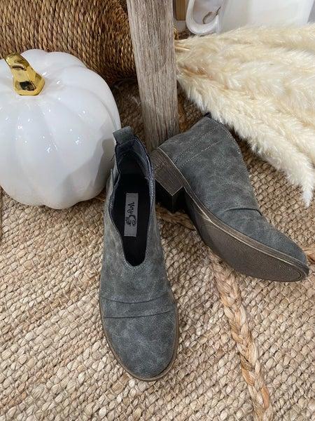 Very G Juliana Boot in Grey