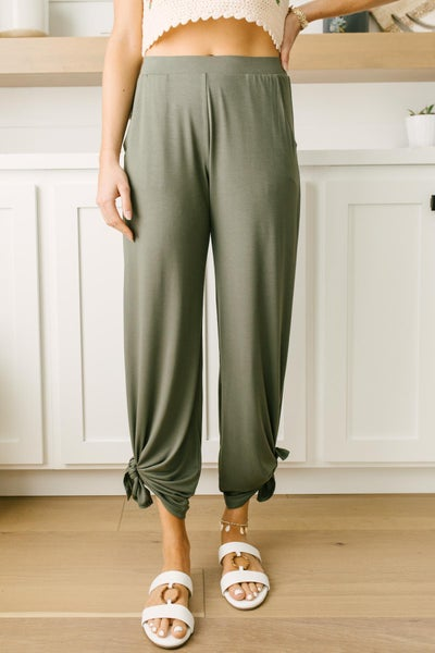 Vacation Lounge Pants in Olive