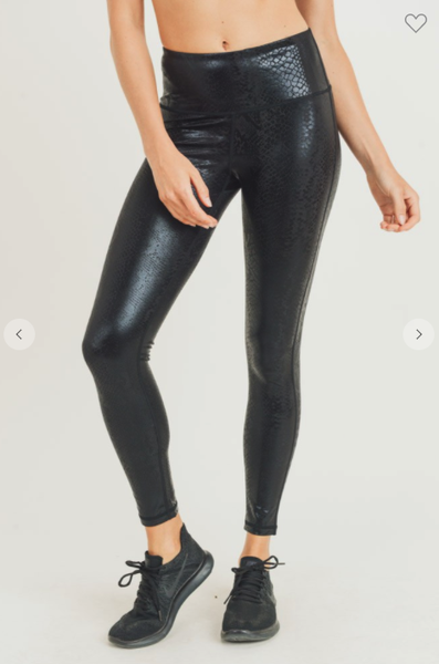 Going Out On the Town Leggings