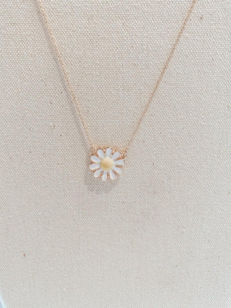 Dainty Flower Pendant Necklace