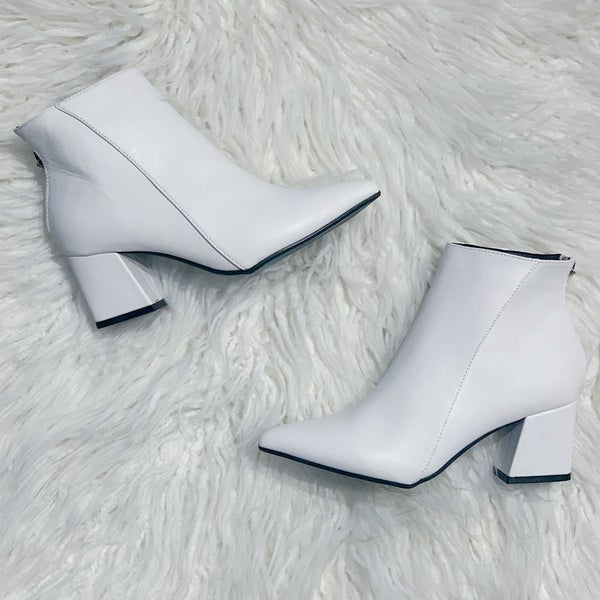 White Point Toe Booties 40% OFF!!
