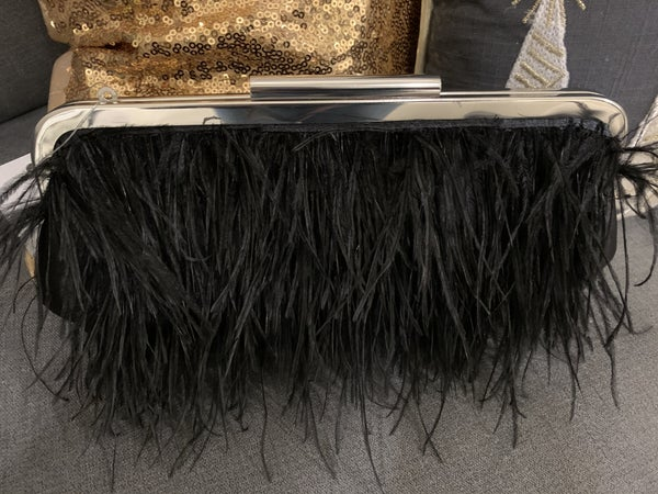 Feather Detailed Clutch with Chain Strap