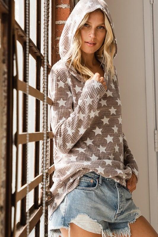 Waffled Star Print Hooded Top
