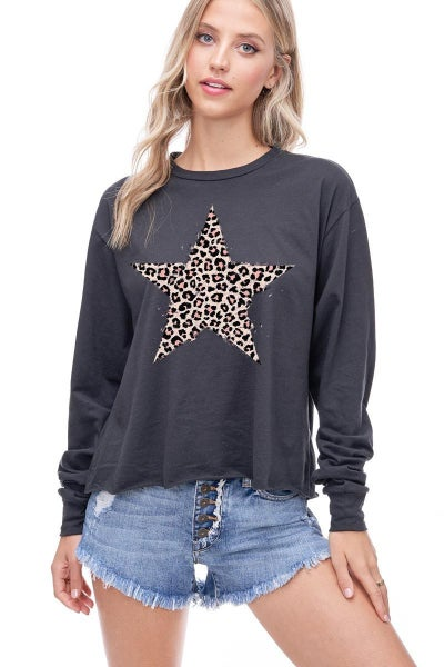 Leopard Star Graphic Cropped Top