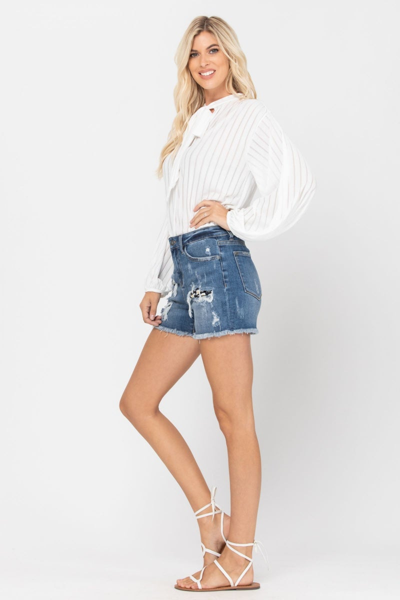High Rise Daisy Patch Shorts (Judy Blue)