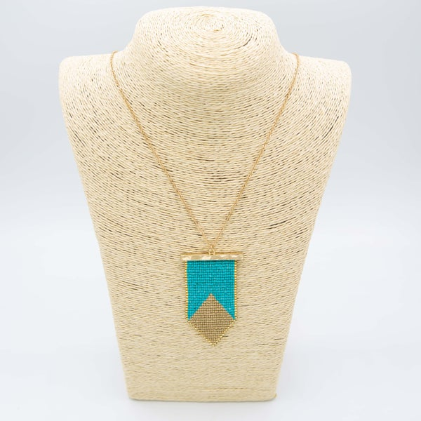 TWO TONE SEED BEAD METAL BAR PENDANT NECKLACE
