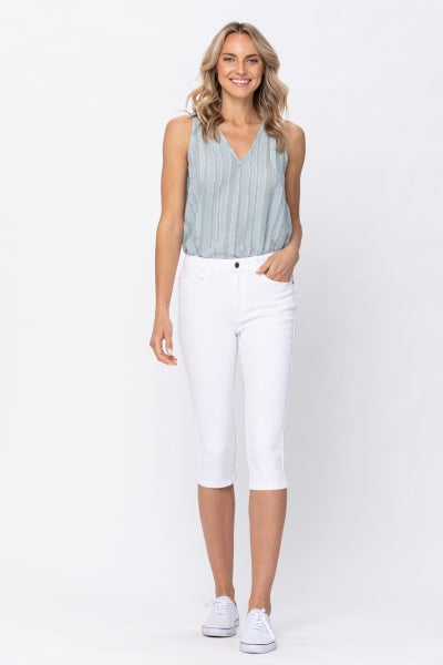 JUDY BLUE MID-RISE WHITE CAPRIS