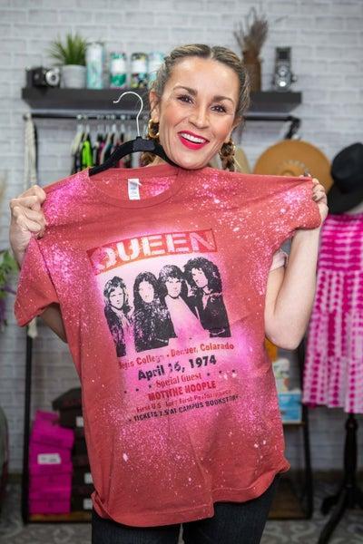 Queen Bleach Graphic T