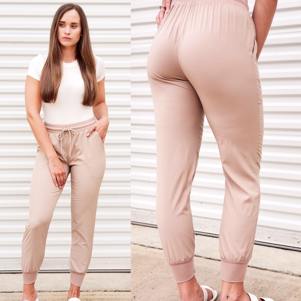 Hot To Trott Joggers - Champagne