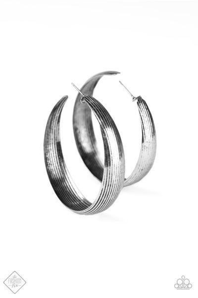 Desert Wanderings - Silver (July 2020 Fashion Fix)