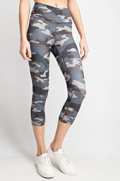 CAMO CAPRI WORKOUT LEGGINGS
