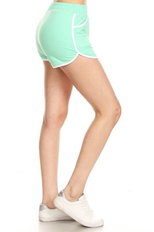 SOLID MID-RISE BUTTERY SOFT SHORTS W/ WHITE LINING