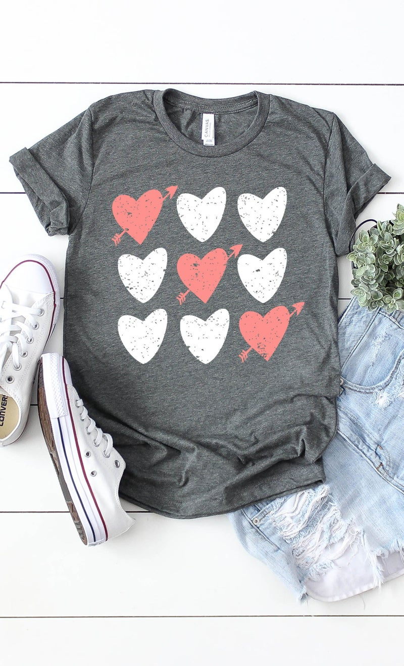 HEART TIC TAC TOE GRAPHIC TEE