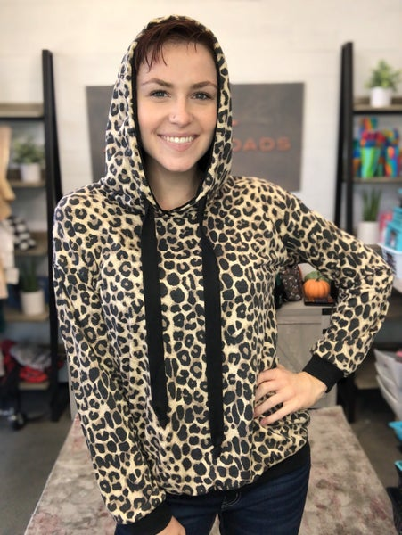 LEOPARD PRINT HOODED TOP